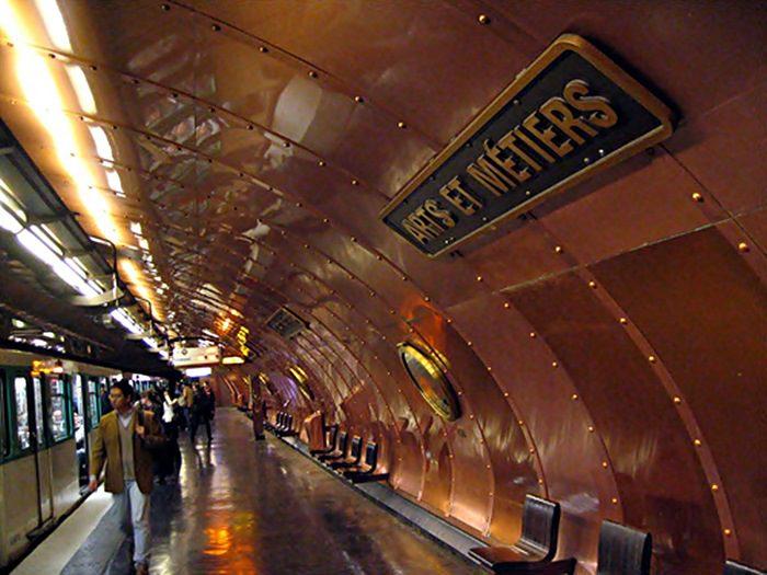 Jedna od najljepših metro stanica je ona 'Arts et metiers'