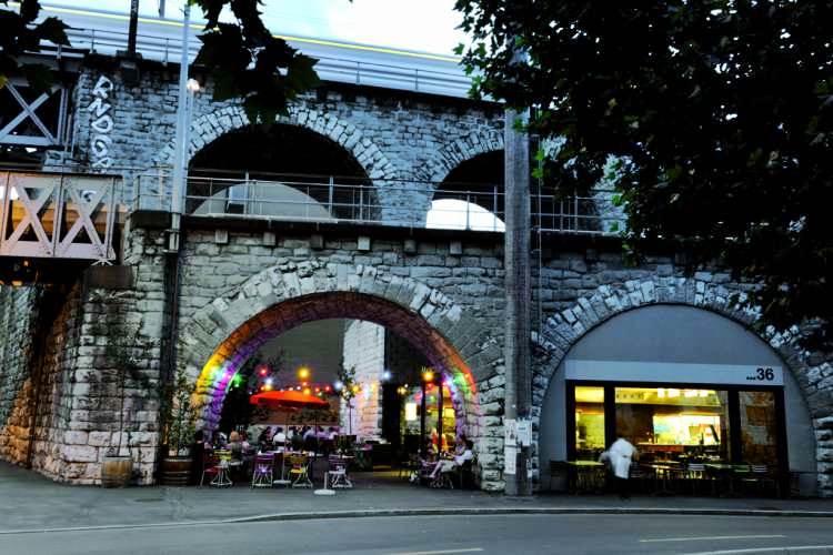 Markthalle resotran gdje jesti u Zurichu