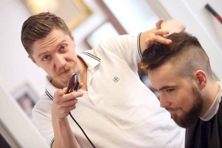 Ako vas zanima gdje nastaju najmodernije frizure, brade i brkovi u Zagrebu, kliknite i saznajte sve o ovom cool salonu za muškarce.