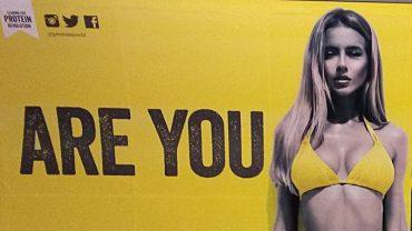 Reklama Are You Beach Body Ready reklama London podzemna željeznica kampanja
